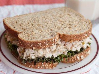Cách chế biến salad cá ngừ đại dương
