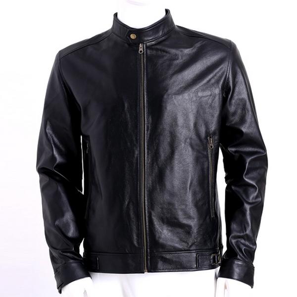 Những chiếc áo da bò thật có mẫu mã rất hợp thời trang và hầu như không bị lỗi mốt