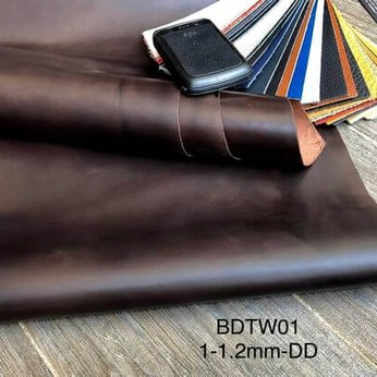 Oil waxing leather