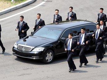 Ông Kim Jong Un mua Mercedes chống đạn không chính hãng?