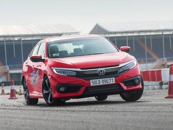 Bán tốt tại Thái Lan, Honda Civic mới chật vật ở Việt Nam