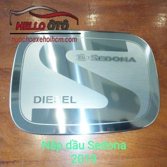 Ốp nắp xăng logo Diesel Kia Sedona 2019