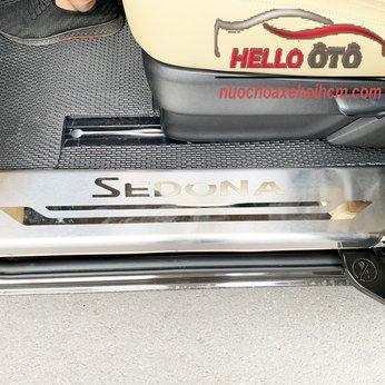 Nẹp Bước chân chống trầy bên trong Kia Sedona 4 chi tiết