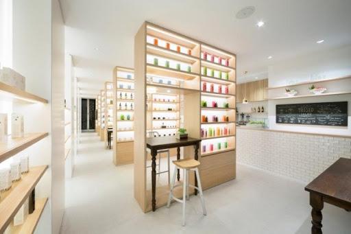 Thi công nội thất showroom nước hoa đường Nguyễn Thị Thập