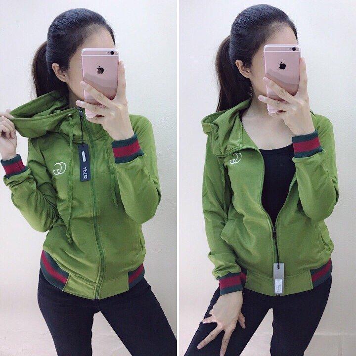 áo khoác da cá GG