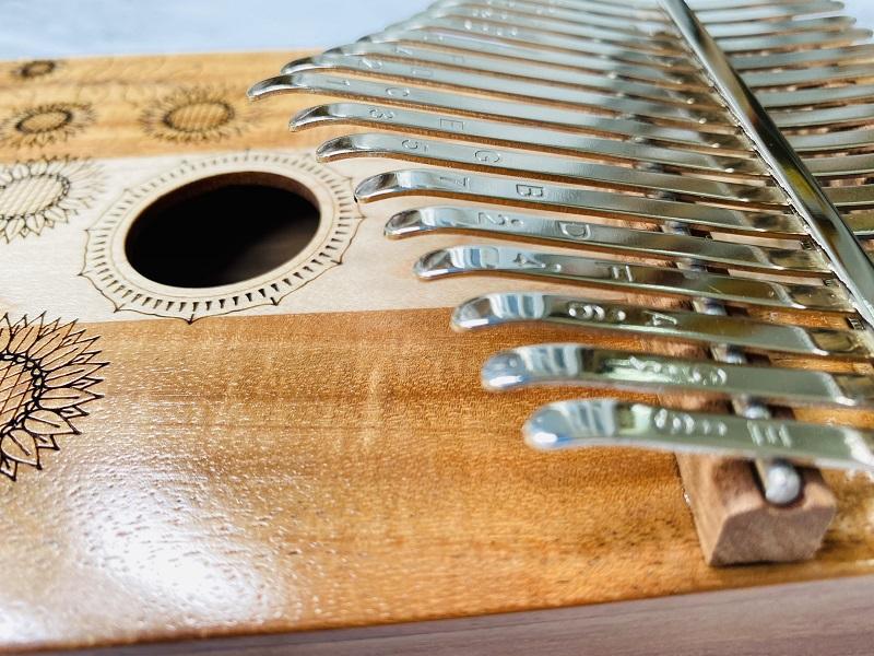 Đàn Kalimba 17 Phím Gỗ Phong + Keo Acacia Classic KaLinh
