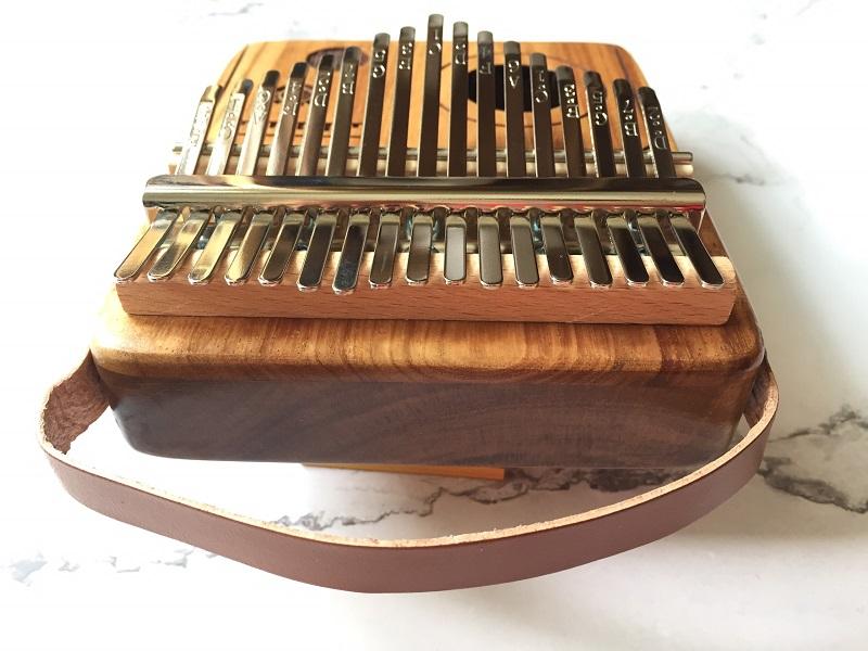 Đàn Kalimba 17 Phím Gỗ Keo Radio Purm KaLinh