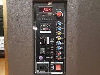 Bảng điều khiển âm thanh của loa hát karaoke sử dụng ra sao?