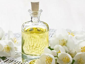 Công dụng của tinh dầu hoa nhài 100% nguyên chất: