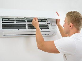 Nên làm gì khi cục nóng máy lạnh chảy nước?