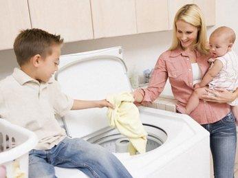 Theo bạn nên chọn máy giặt lồng đứng hay máy giặt lồng ngang?