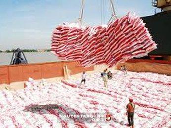 Bộ Công thương nghiên cứu đấu giá thí điểm hạn ngạch nhập khẩu đường