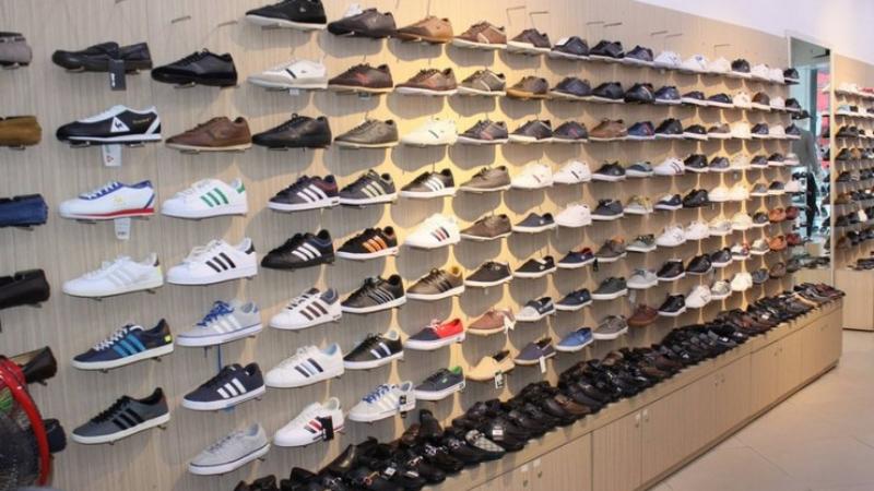 Nội thất cửa hàng giày