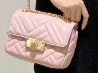 3 chiếc túi xách hàng hiệu Michael Kors mini đang gây sốt cho chị em Việt tại K&A