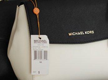 Kích thước giỏ xách Michael Kors gồm có mấy loại?