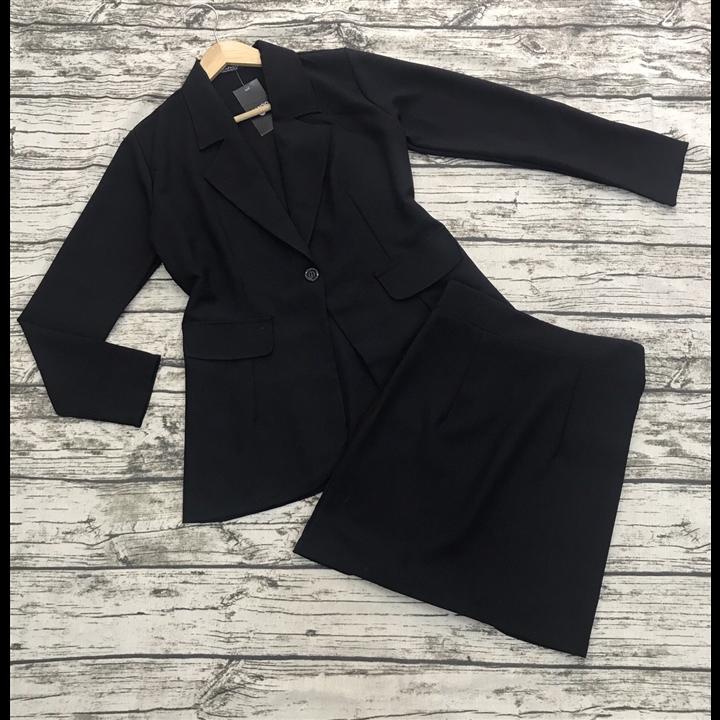 Set áo vest đen kèm chân váy