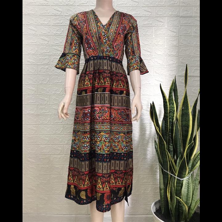 Đầm xòe họa tiêt thổ cẩm tay loe