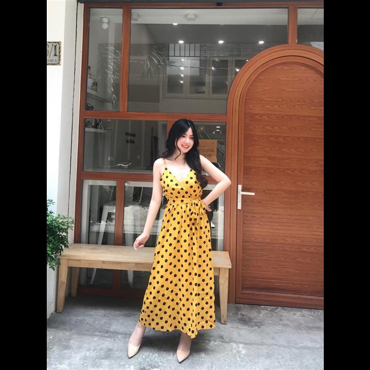 Đầm maxi vàng chấm bi hai dây