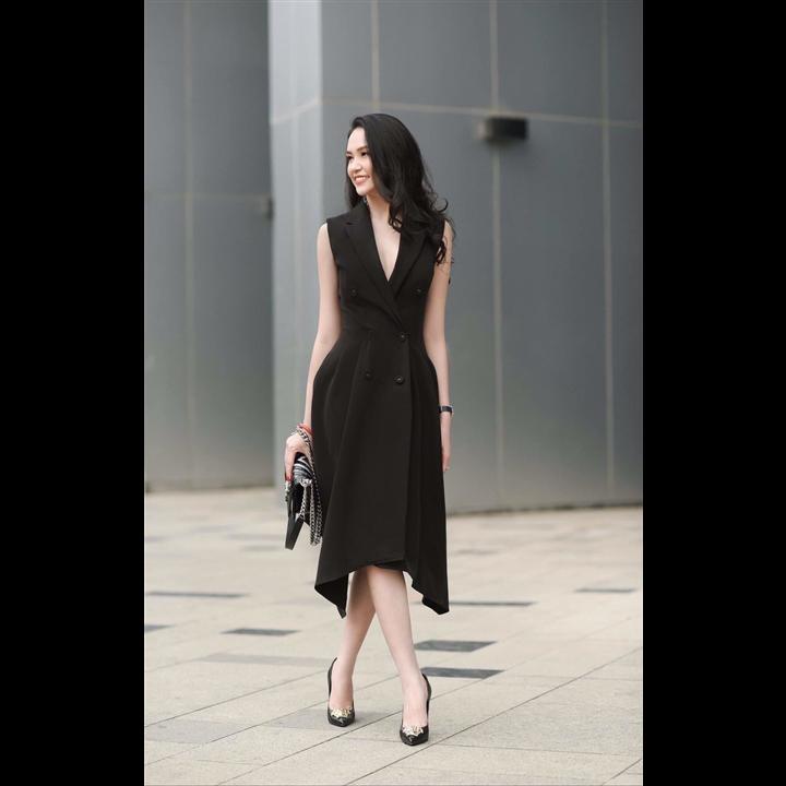 Đầm đen cổ vest sang trọng