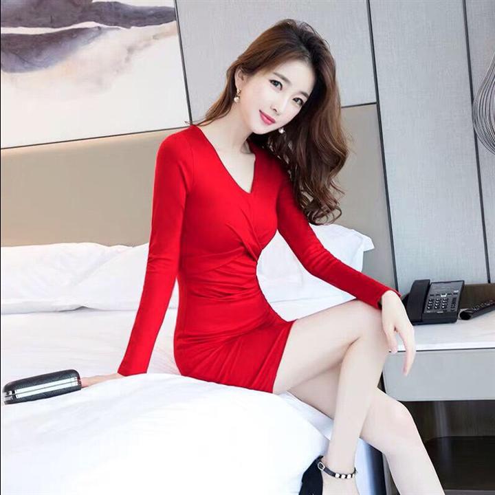 Đầm body đỏ chéo ngực tay dài