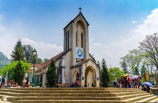 Địa điểm nhà thờ đá sapa