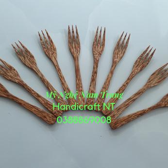 Nĩa 3 răng gỗ dừa