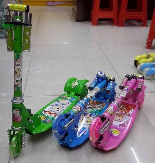 Xe trược scooter có lò xo
