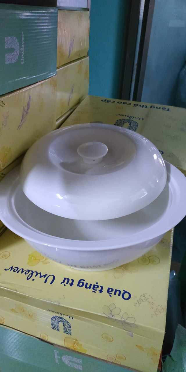 Unilever tặng thố sứ trắng có nắp cao cấp.