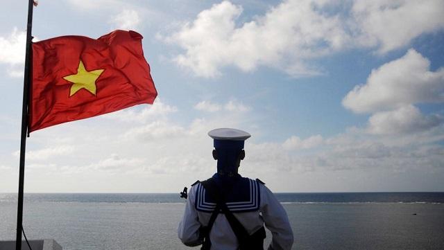 Quốc kỳ ở biên giới, biển đảo