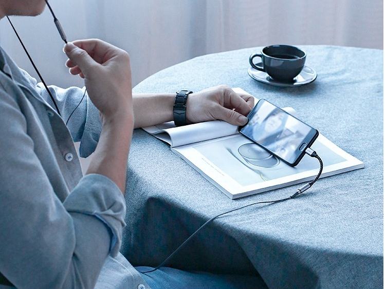 Cáp chuyển USB Type C to 3.5mm (âm) Ugreen 30632
