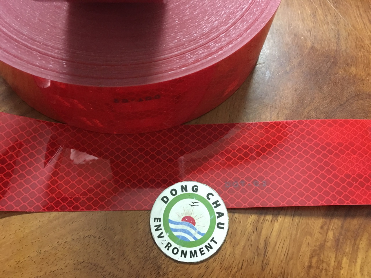 Băng keo phản quang màu đỏ 3M 983-72