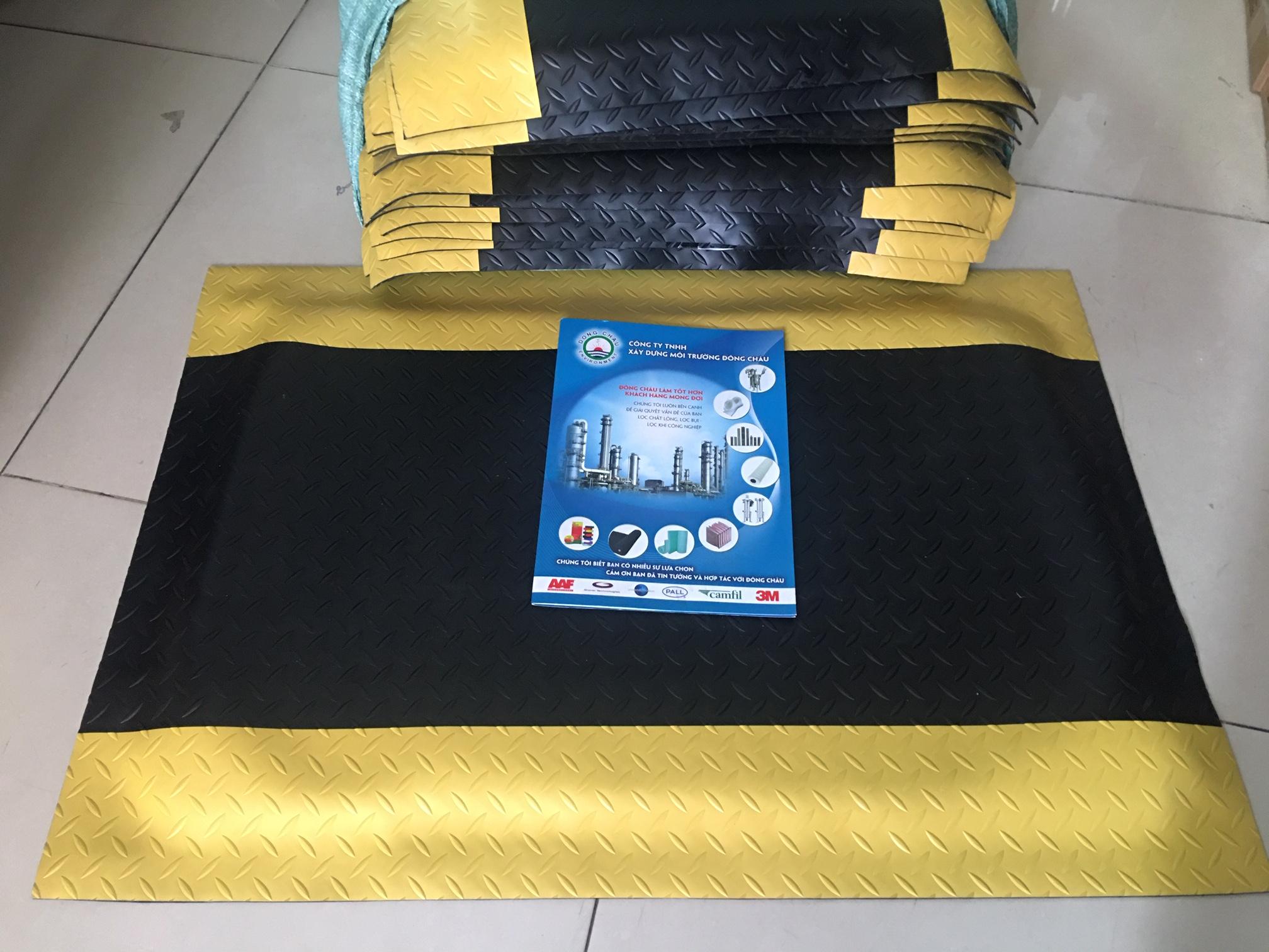 600x900x17mm, Thảm chống mỏi chân chống tĩnh điện Vàng đen