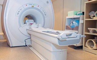 """TRUY TÌM """"THỦ PHẠM"""" GÂY TỔN THƯƠNG CỘT SỐNG NHỜ CHỤP CỘNG HƯỞNG TỪ (MRI)"""