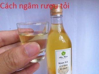 Cách ngâm rượu tỏi cô đơn Lý Sơn
