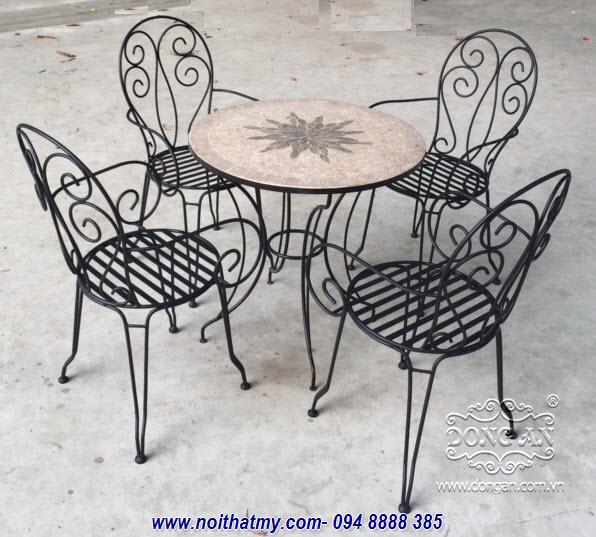 Bộ bàn ghế cafe sắt uốn đẹp mắt DA14-BG072