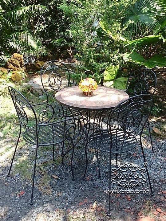 Bộ bàn ghế sắt uốn mặt đá Mosaic ấn tượng DA14-BG070