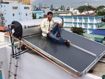 Mua máy nước nóng năng lượng mặt trời Solahart chính hãng ở đâu ?