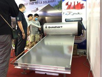 Máy nước nóng tấm phẳng chịu áp SOLAHART tại hội chợ Vietbuild năm 2020
