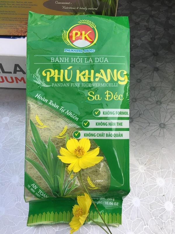 Bánh hỏi lá dứa Phú Khang