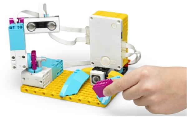 robot kiểm tra chất lượng lego spike prime