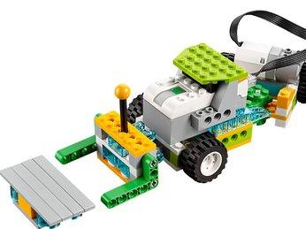 Bài 24: Di chuyển vật liệu - Dự án khoa học bộ Lego Wedo 2.0 - Robot Milo 45300