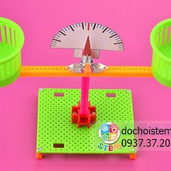 Cân thăng bằng- đồ chơi STEM STEAM khoa học sáng tạo kỹ thuật