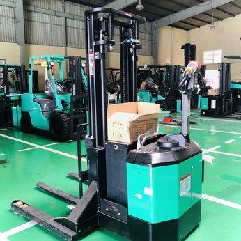 Xe nâng điện Stacker Cao 1,8 tấn