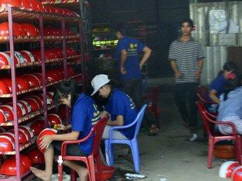 Xưởng sản xuất nón bảo hiểm