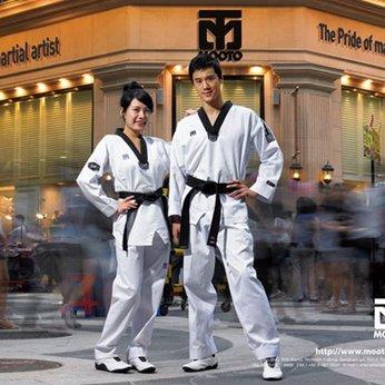 Võ Phục Taekwondo Tiêu Chuẩn - Hiệu Mooto - Vải Sọc III