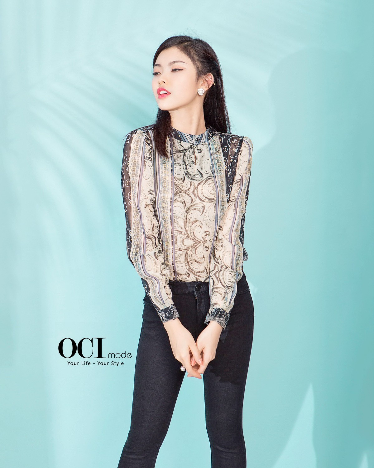 Dolce Blouse & Open Black Jean