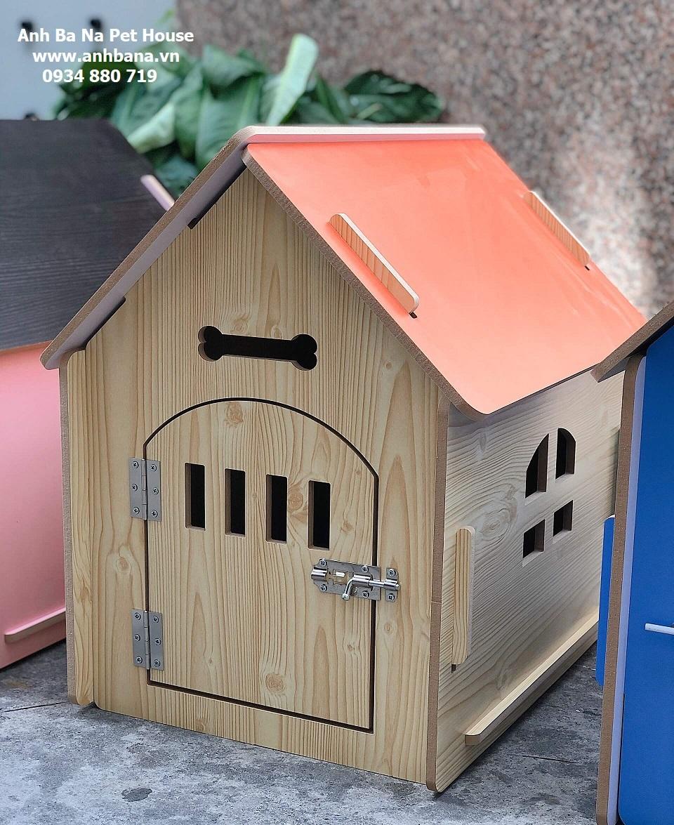 Nhà gỗ cho chó lắp ráp, cửa gỗ 01