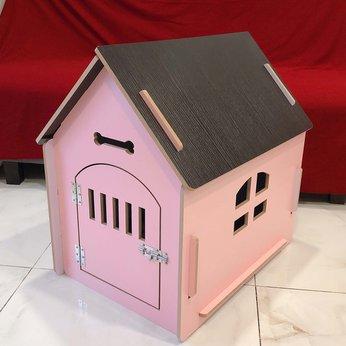 Nhà gỗ cho chó lắp ráp, cửa gỗ 02