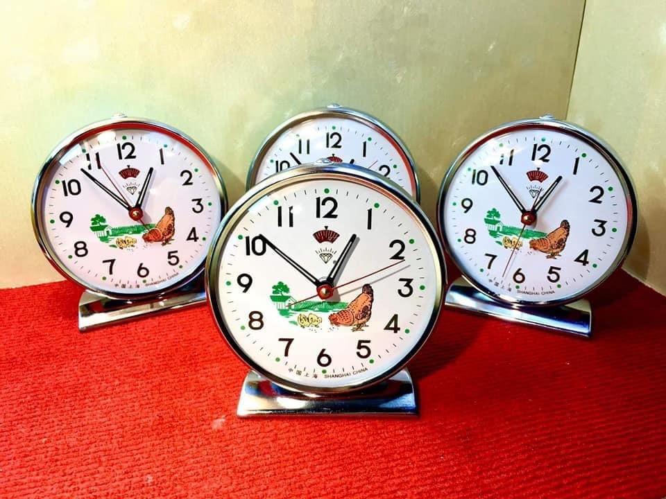 Đồng hồ con gà