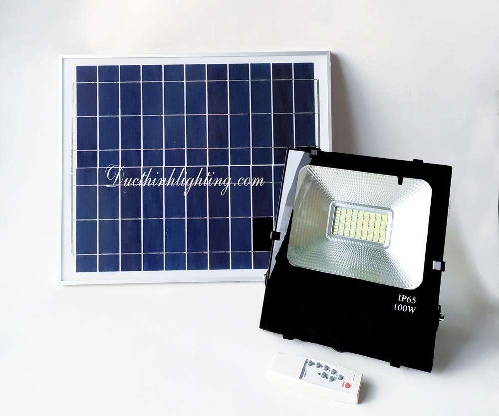 Đèn Pha LED Năng Lượng Mặt Trời TGD-4100 100W